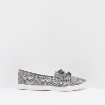 Chequered Low Top Comfort Shoes with Slip-On Closure